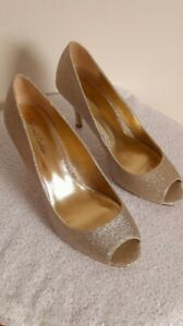 Roland Cartier shoes size 6 Gold Glitter Sparkly peep toe high court party