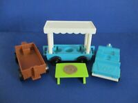916 ZOO    Vintage Fisher Price Little People   VEHICLE   ( 3 ) PIECE TRAIN CARS