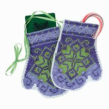Star Mittens Beaded Cross Stitch Ornament Kit Mill Hill 2018 Trilogy MH191833