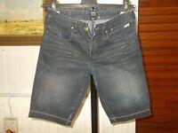 Short bermuda Jean coton bleu foncé délavé LEVIS RED TAB 12 ans 18aj31