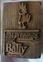 """EST36 - ESTAMPILLE CUIR chaussures """"créé et fabriqué pour BALLY """" années 50"""