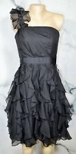 White House Black Market Negro Uno Hombro Vestido sin Tirantes 4 Falda Volante