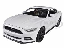 2015 FORD MUSTANG GT 5.0 WHITE 1/24 DIECAST CAR MODEL BY MAISTO 31508