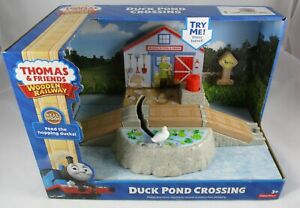 Thomas the Tank & Friends Wooden Railway Duck Pond Crossing New