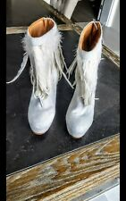BRAND NEW - WITHOUT BOX - WHITE STUNNING KURT GEIGER FEATHER BOOTS - RRP £390