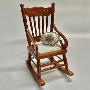 Reutter Porcelain Miniature Dollhouse Wood Rocking Chair And Pillow 1:12 Scale