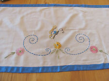 VINTAGE SHABBY CHIC HAND EMBROIDERED FLOWER & BUTTERFLY RUNNER