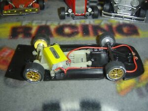 1/32 Slot.it PORSCHE 911 GT1 98 magnet anglewinder chassis. used