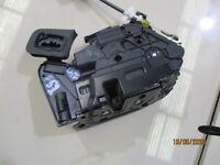 GENUINE 2008 VW GOLF TSI MK6 1.4L 2007-09, LEFT FRONT DOOR LOCK 5K2837015