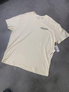 Essentials Fear Of God - FOG - Ivory/Cream - T-Shirt Size Medium - NWT