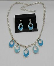 WHIMSICAL OPEN HOLE OVAL PENDANTS NECKLACE & EARRING SET - TWO TONE BLUE