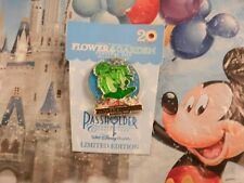 """2013 FLOWER & GARDEN 20 YEARS COLLECTOR PIN """"NEW"""" DONALD ON CARD - PASSHOLDER"""