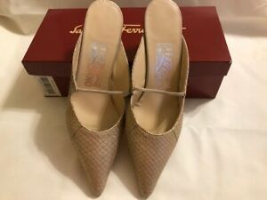 New Salvatore Ferragamo Ladies Shoes Gold Ladies Heels Size 8B
