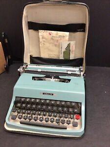 Vintage OLIVETTI Underwood LETTERA 32 Typewriter 1964