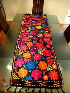 MEXICAN MAYA HAND MADE TABLE RUNNER TOPPER SILK EMBROIDERY FLOWERS from CHIAPAS
