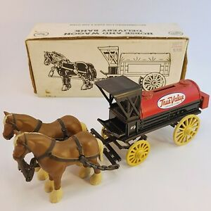 Vintage 1990 Ertl Horse Delivery Wagon Tanker True Value Locking Coin Bank Money