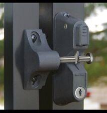 Self-Locking Gravity Latch 1-Sided Key Entry Gate Stop Lock Black Vertical Lock
