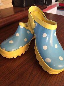 happy rainbow shoes