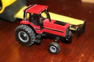 Case International Die Cast Metal Tractor  Miniature Red L0514Q01