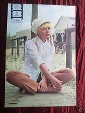 ELKE SOMMER - MAGAZINE CLIPPING- ( CENTRESPREAD PICTURE ) PIN -UP
