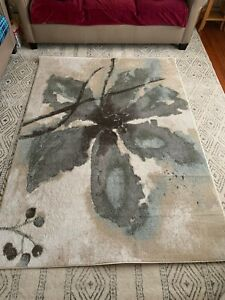 5x7 Area Rug Ivory Great For Lving Room, Kitchen. AMAZING DEAL