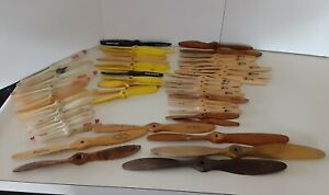 LOT OF 55 VINTAGE WOODEN & PLASTIC RC MODEL AIRPLANE PROPELLERS