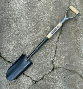 Caldwells Ash MYD Treaded Poachers Spade - Fencing Rabbiting, Fox Shovel