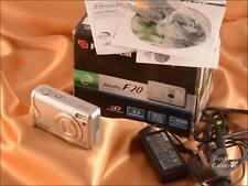 Fuji Finepix F20 6MP 3x Zoom Digital Camera inc Battery/Cables/Charger - 353