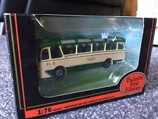 EFE 12113 Harrington Cavalier Coach - Maidstone & District - 1:76th OO Gauge