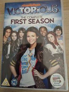 Victorious The Complete First Season DVD (4 discs) Region 2 Nickelodeon 3+ HOURS