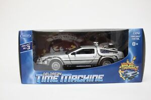 Welly DeLorean DMC 12 from Back To The Future Part 2 in Silver 1:24 Scale BNIB
