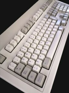 IBM 1391506 Model M Mechanical Keyboard PS/2 1995 NEW, SPANISH/ESPAÑOL,Tested.