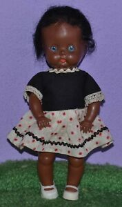 """8"""" STRUNG JOINTED HARD PLASTIC GINNY TYPE BLACK DOLL MADE IN ENGLAND DRESS 50'S"""