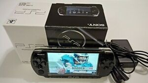 Sony PSP 3000 Piano Black Handheld System *Refurbished with box*