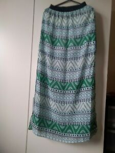 H&M Divided Long Skirt Green/White Patterned Size 4 Same Day Dispatch