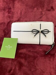 KATE SPADE Brand New Real-LEATHER ZIP AROUND WALLET HOT White