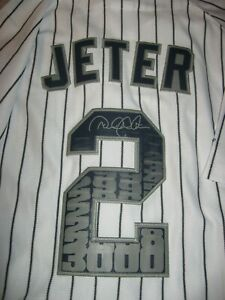 Derek JeterAuthentic Majestic 3000 Hit Commemorative Jersey (M) NEW with tags