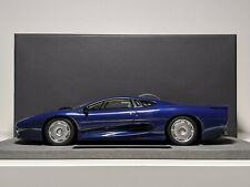 Top Marques 1:18 Jaguar XJ220 in Dark Blue Metallic (TOP039B)