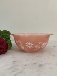 RARE  OMB 712 Agee Pyrex Pink Flannel Flower Mixing Bowl