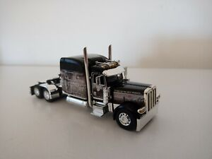 DCP. Diecast Promotions. Peterbilt. New. Great looking.