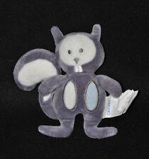 Peluche doudou écureuil OBAIBI OKAIDI mauve violet hochet grelot 14 cm TTBE