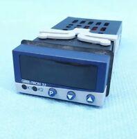 Jumo iTron32 702040/88-888-000-23/210 Regler 00382105 controller 81213.3