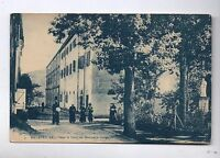 Carte postale MADAGASCAR. Dans la cour du séminaire malgache.