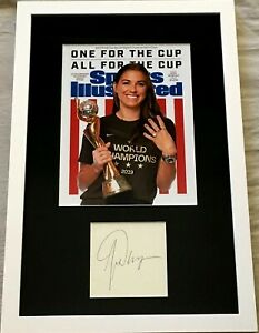 Alex Morgan signed framed w/ 2019 Women's World Cup Sports Illustrated SI cover