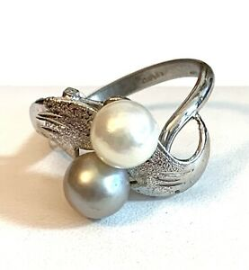 Womens VTG Cultured Pearl ring  Silver plate size 6 1/2 Not Marked R5
