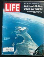 LIFE MAGAZINE - Sep 24 1965 - GEMINI 5 / Space photo / Heart & Liver Surgery