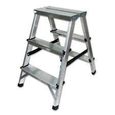 Markenlose Leitern aus Aluminium für Heimwerker