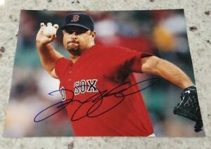 Tim Wakefield Signed Autographed 8x10 Photo (Boston Red Sox, W.S Champs) COA