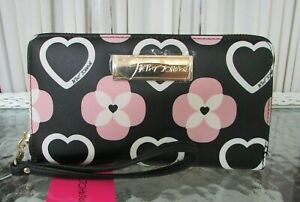 Betsey Johnson Floral Hearts Wallet Wristlet Zip Around Flowers Pink NWT