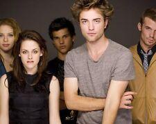 Twilight [Cast] (48592) 8x10 Photo